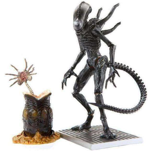 Aliens: Colonial Marines - 1:18 Scale Alien Lurker Action Figure - AUGUST 2018