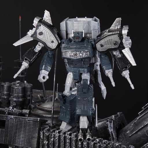 Transformers Generations Selects Leader Shockwave (80's Radio Shack Ver.) - Exclusive
