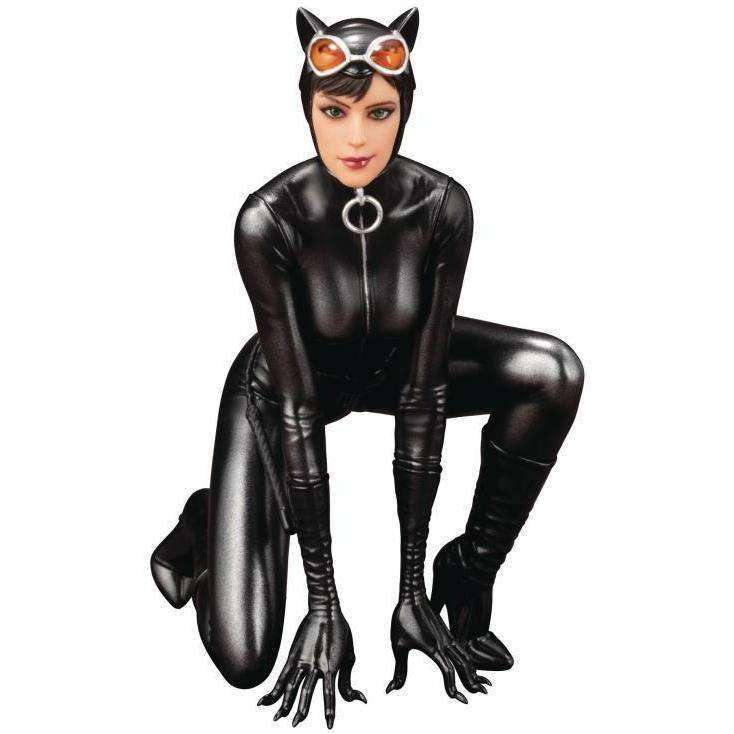 DC Comics Mad Lovers ArtFX+ Catwoman Statue - AUGUST 2018