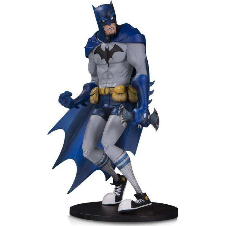 "DC Artist Alley - Batman Statue (Hainanu ""Nooligan"" Saulque) - By DC Collectibles - PRE-ORDER SHIPS AUGUST 2018"