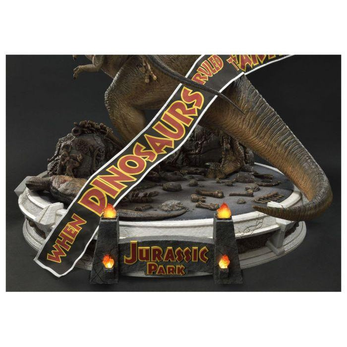 Jurassic Park Museum Legacy Collection: 1/8 Scale T-Rex Vs. Velociraptor Statue - JANUARY 2020
