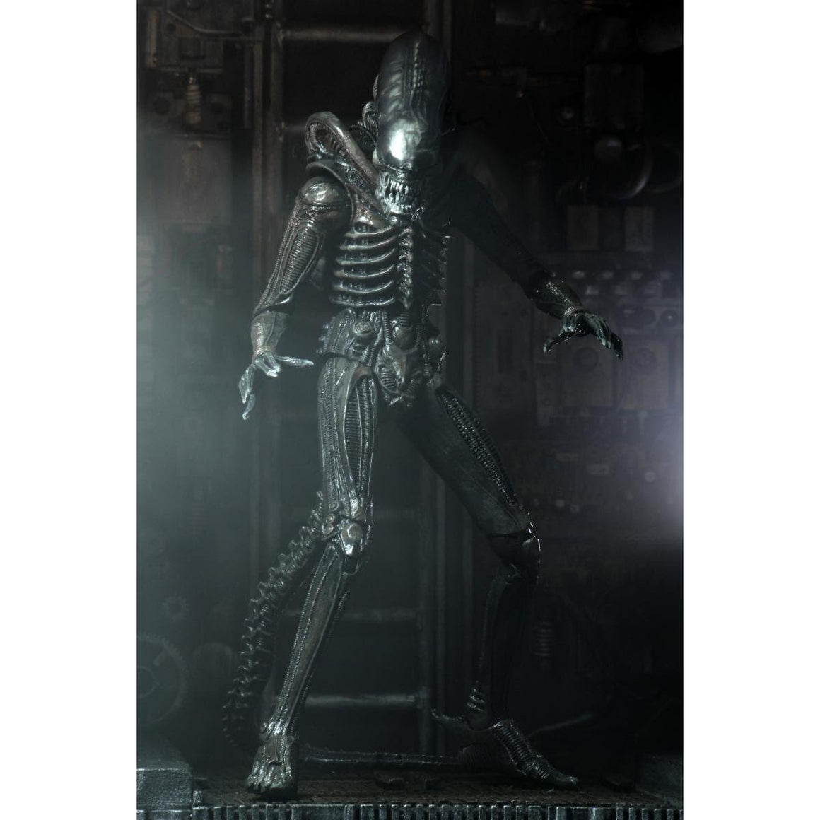 "Alien - 7"" Scale Action Figure - Ultimate 40th Anniversary Big Chap - NOVEMBER 2019"