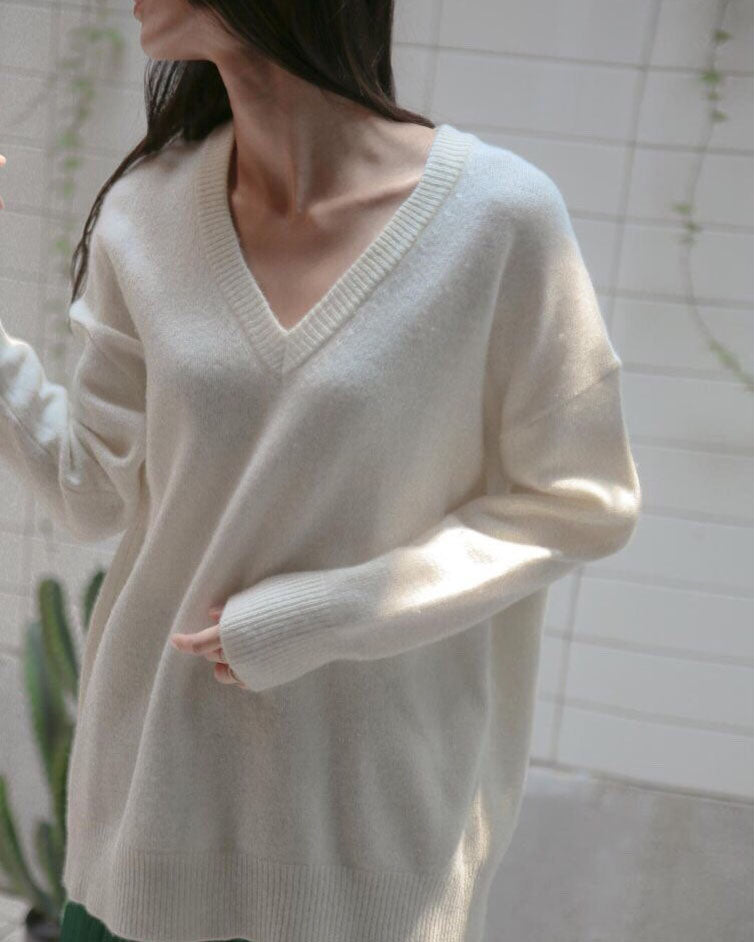 OVERSIZED CASHMERE V-NECK JUMPER
