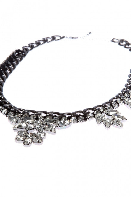 CRYSTAL FLOWER NECKLACE