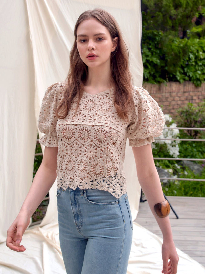 BALLOON SLEEVE LACE TOP