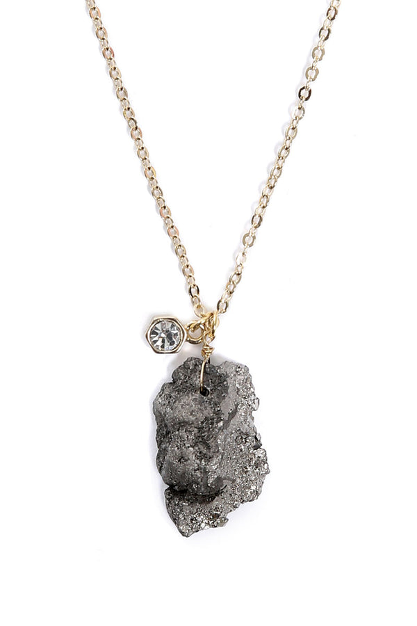 DRUZY STONE & CRYSTAL NECKLACE