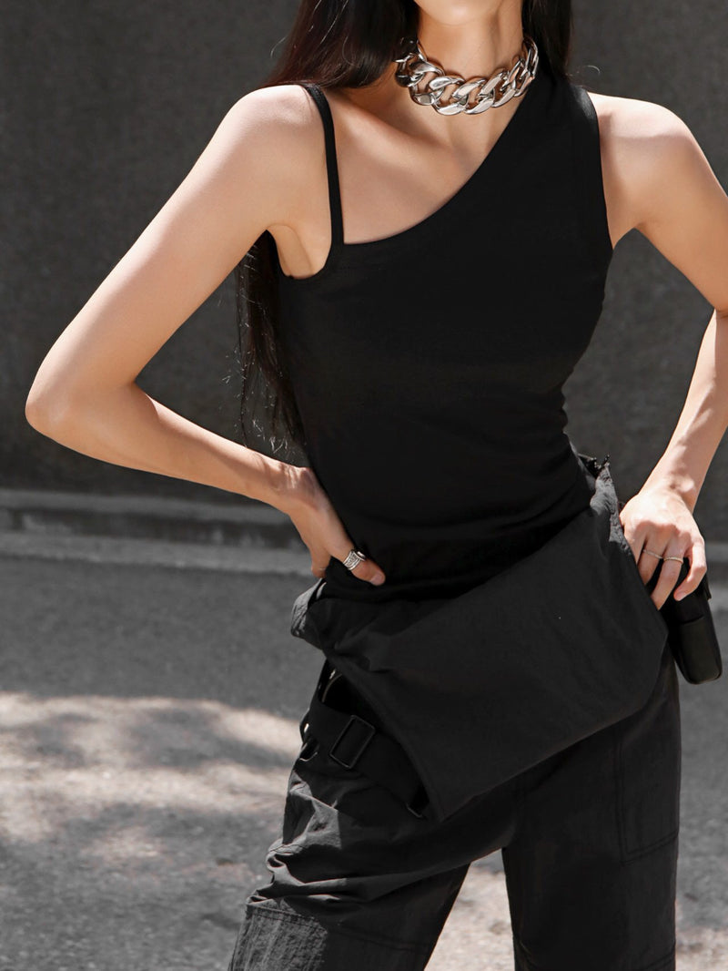 ASYMMETRICAL SLEEVELESS TANK