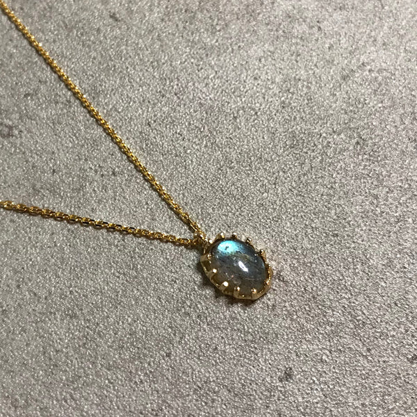 [LUMINOUX] LABRADORITE NECKLACE