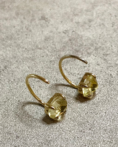 [LUMINOUX] LEMON QUARTZ HOOK EARRINGS