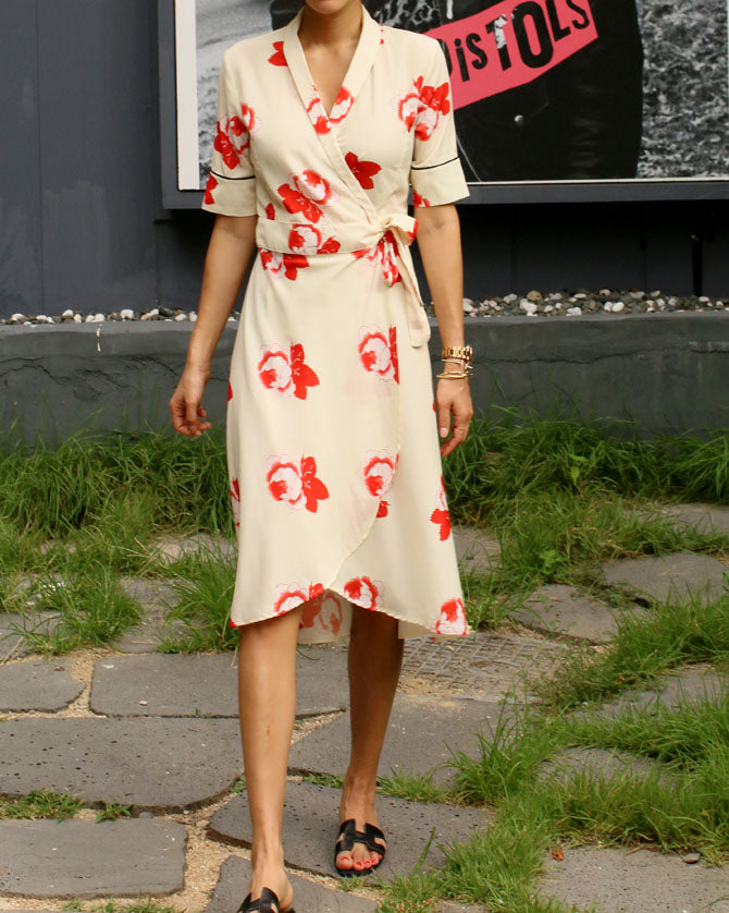 PRINTED MIDI WRAP DRESS