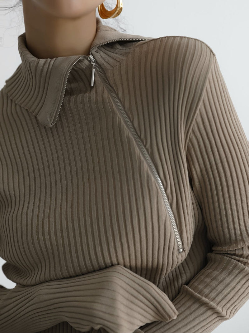 DIAGONAL ZIP DETAIL RIBBED KNIT TOP