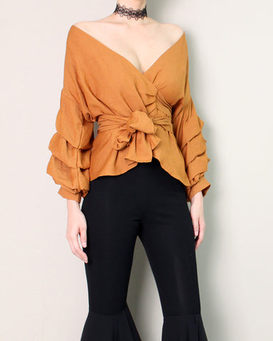 RUCHED SLEEVE BLOUSE