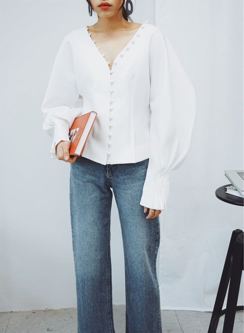 STRUCTURED PUFF SLEEVE BLOUSE