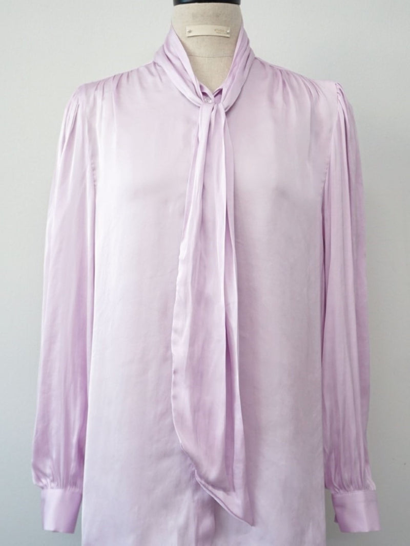 SILKY DRESS SHIRT WITH NECK TIE