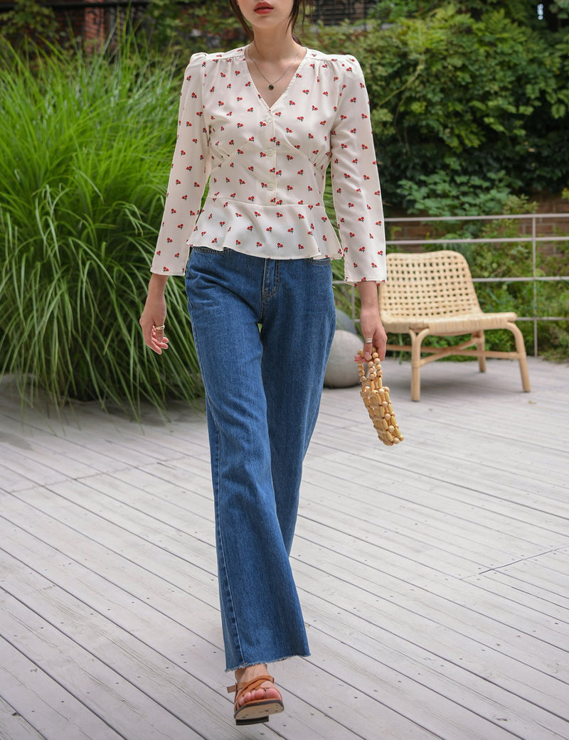 V-NECK FLORAL BLOUSE