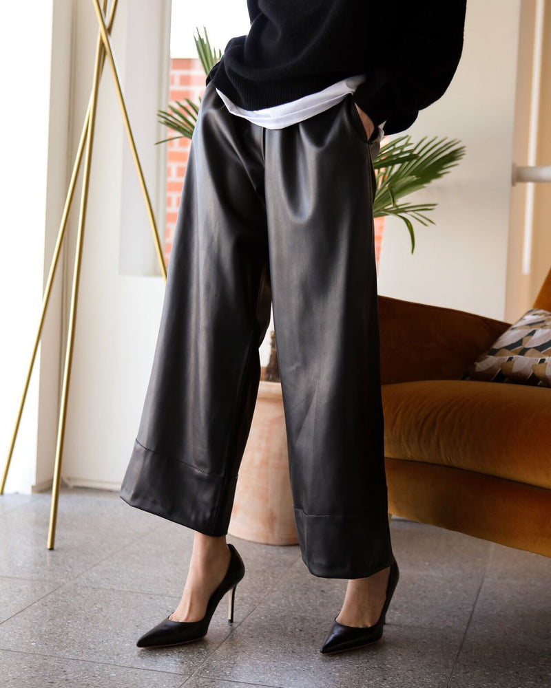 WIDE CROPPED LEATHER PANTS