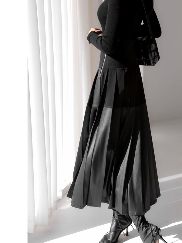 LEATHER PLEATED SKIRT