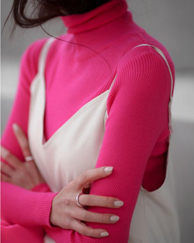 NEON RIBBED TURTLENECK