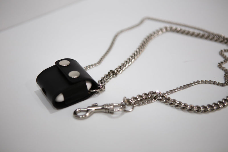 LEATHER AIRPOD CASE WITH CHAIN