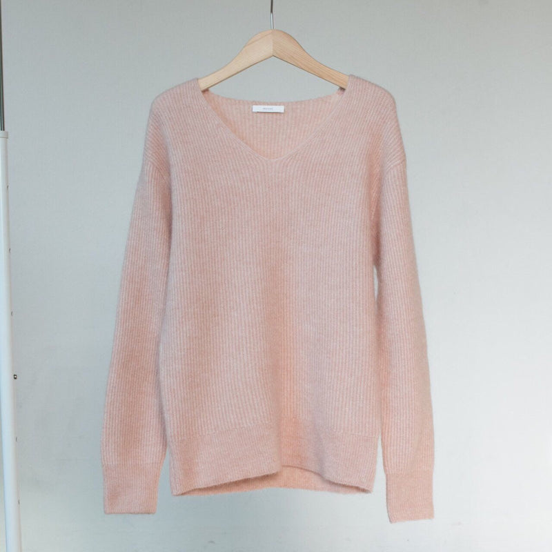 MOHAIR V NECK SWEATER