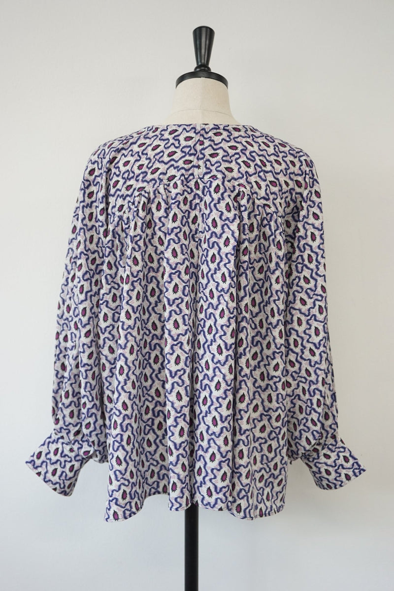 COLLARLESS PATTERN BLOUSE