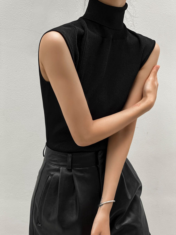SLEEVELESS TURTLENECK RIBBED KNIT TOP