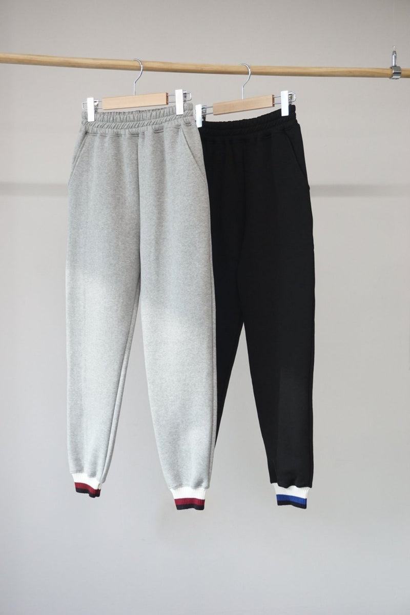 SWEATPANTS WITH STRIPE DETAIL