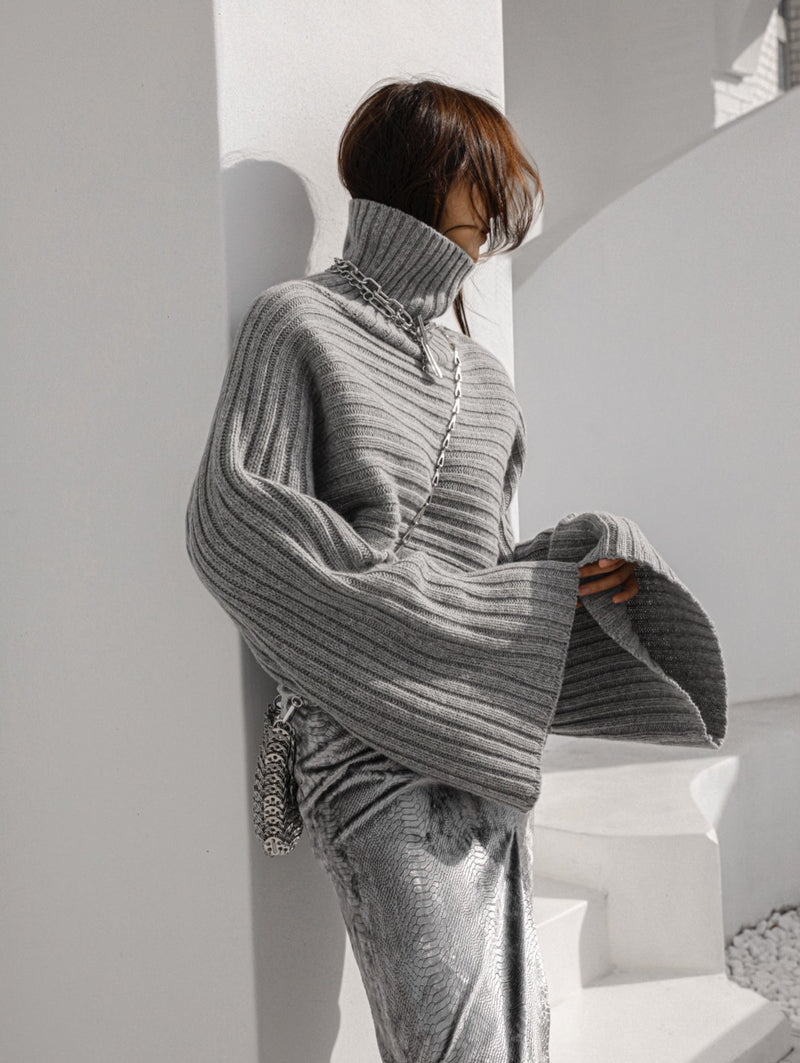 TURTLENECK RIBBED CROPPED BELL SLEEVE KNIT