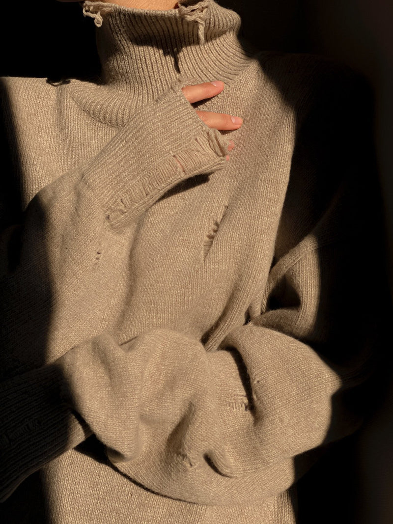 VINTAGE DETAIL TURTLENECK SWEATER