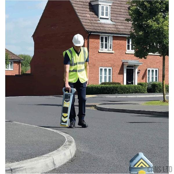 Radiodetection Genny4 and Bag Pack - UK - CANS LTD