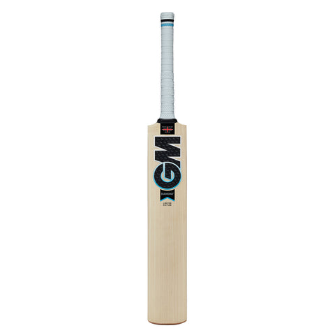 Gunn & Moore Diamond Signature Senior Bat