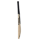 Gunn & Moore Noir Signature Senior Bat