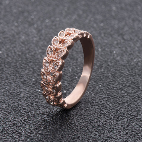 Image of Elegant Rose Gold Garland Ring