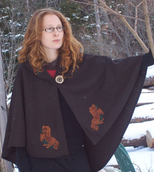 Epona Arran Hooded Cape