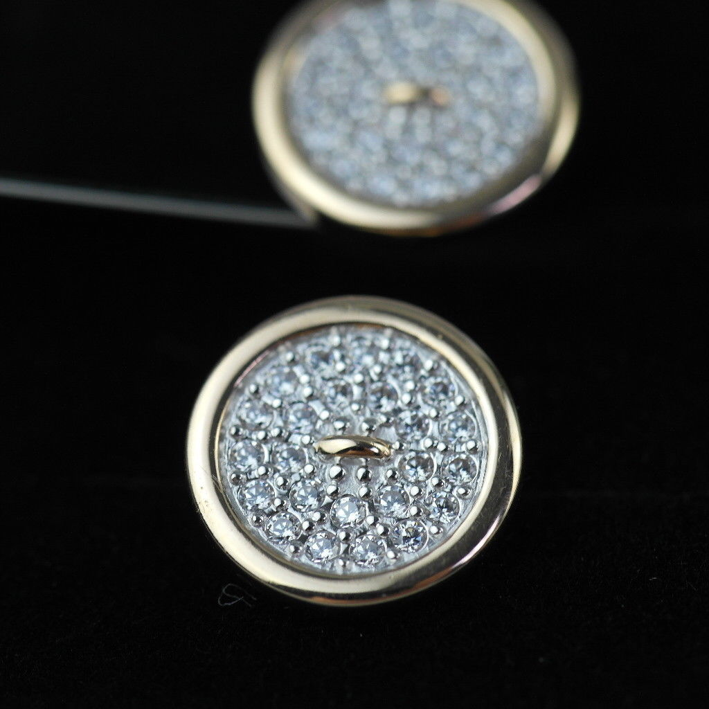 Stunning 14k gold cufflinks with 48 Cubic Zirconia