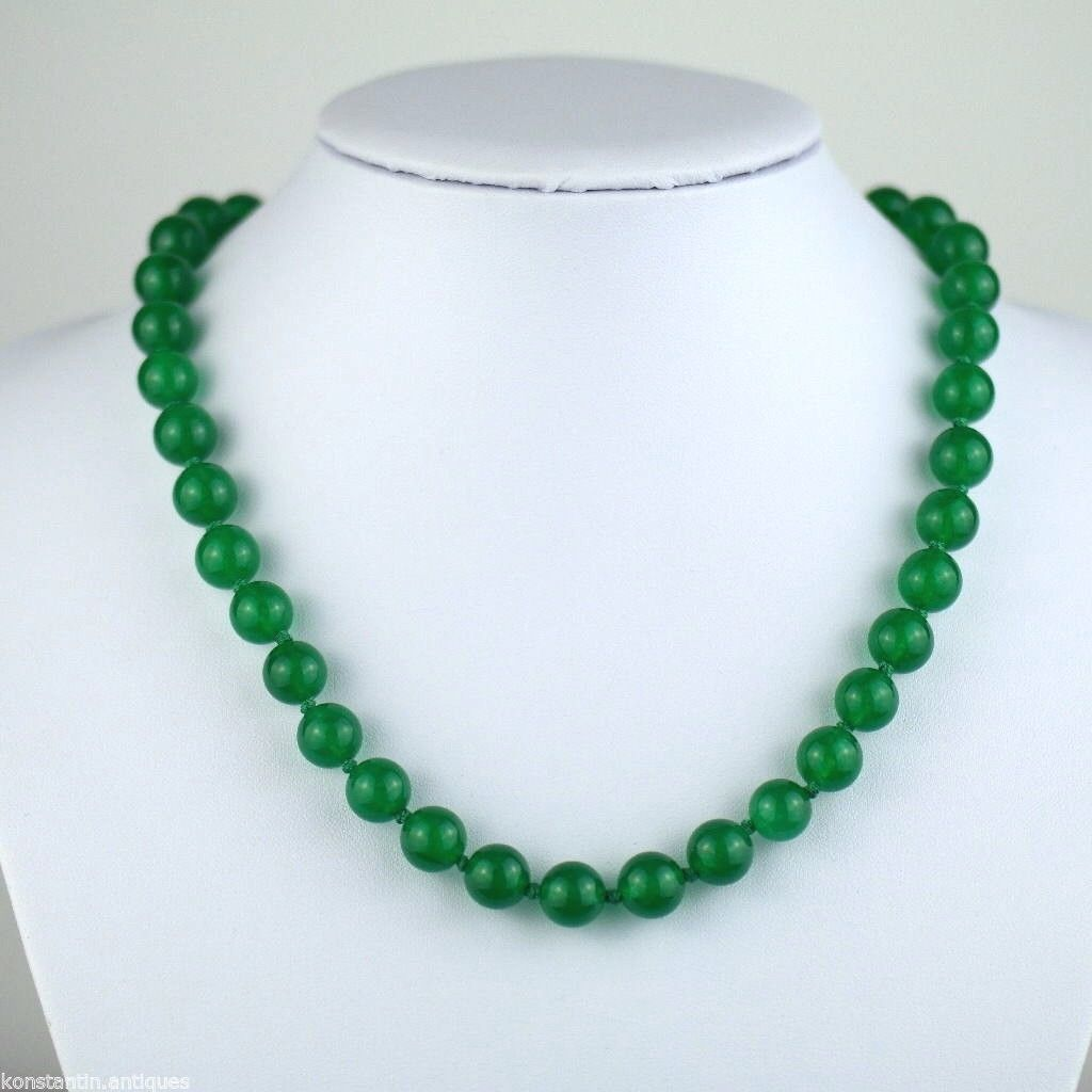 Green jade beads necklace gold plated clasp