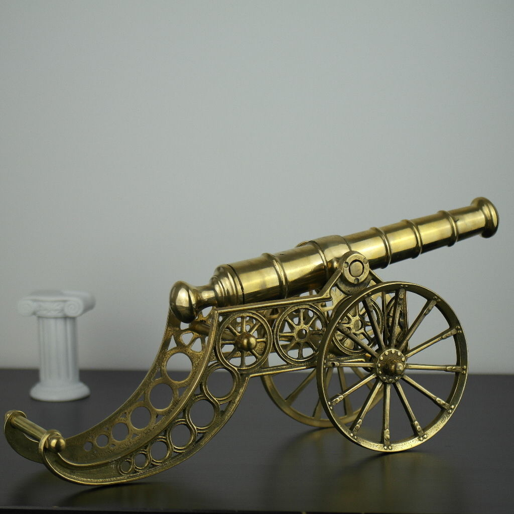 Vintage model Antique cannon brass large statue with wheels British Empire