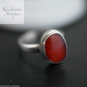 Vintage sterling silver ring with red coral eye UK-L  US-6