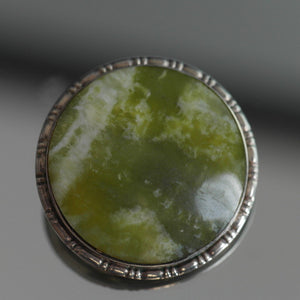 Antique solid silver pin brooch with Iona marble Jade cabochon gem England Sterling