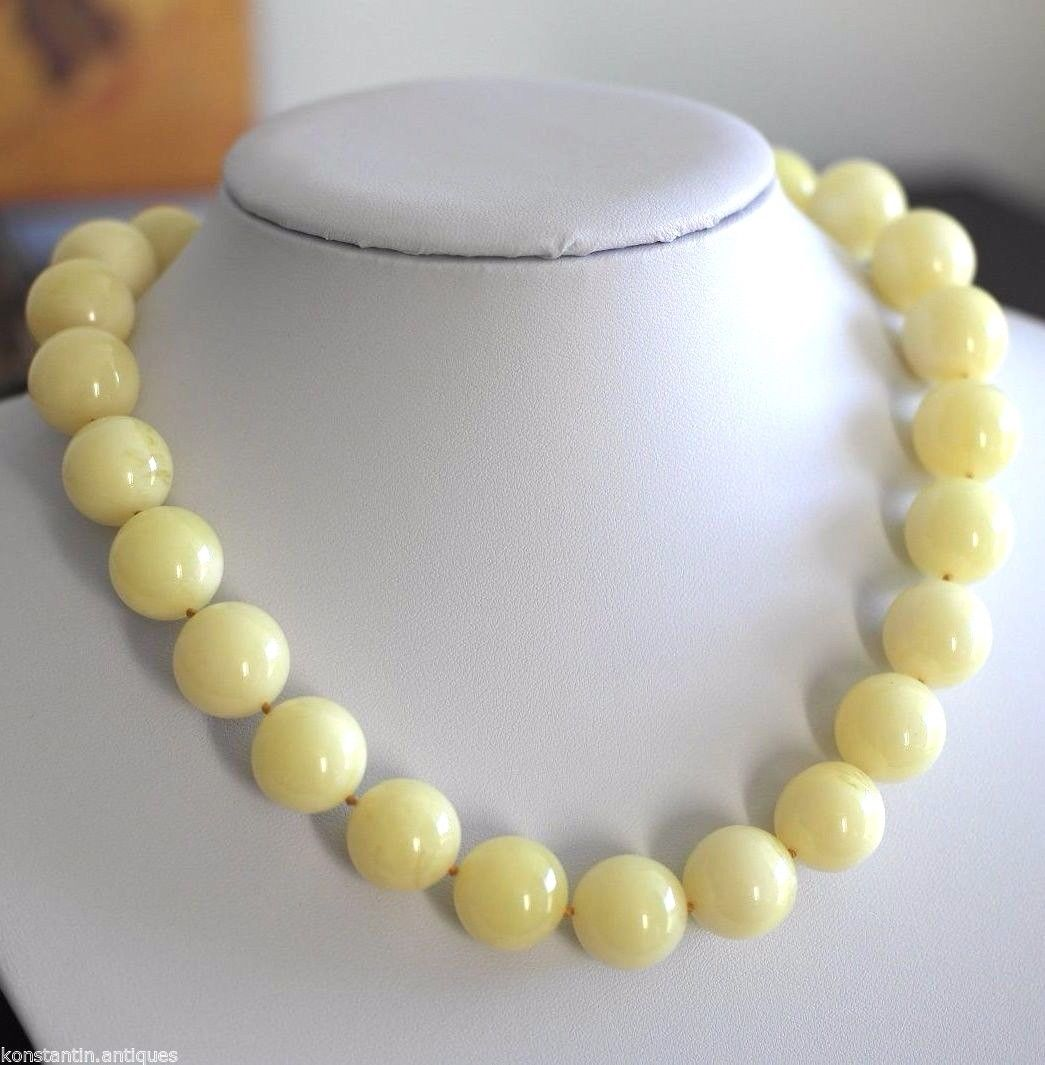 Vintage stylish plastic beads necklace and earrings
