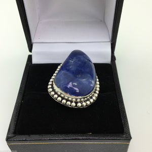 Vintage sterling silver ring with Lapis Lazurite cabochon