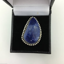 Load image into Gallery viewer, Vintage sterling silver ring with Lapis Lazurite cabochon