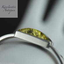 Load image into Gallery viewer, Vintage solid silver and green amber bangle Baltic sea London hallmark Sterling