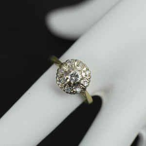 Vintage 18ct gold ring brilliant cut diamonds cluster London 750