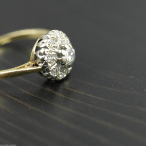 Vintage 18ct gold ring with brilliant cut diamonds cluster London