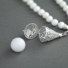 Load image into Gallery viewer, Engelsrufer 80cm Shell Pearl Necklace with sterling silver Ring and Pendant