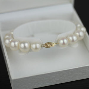 Freshwater Pearls Bracelet bead diameter 11 mm clasp 14K Gold plated boxed