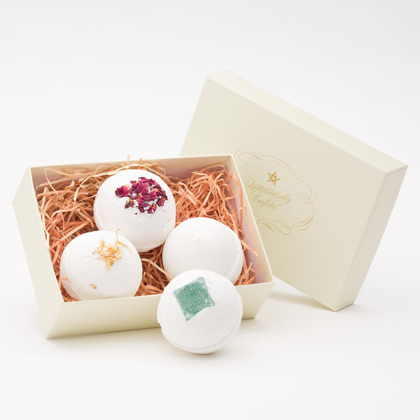 4 Small Bath Bombs in A Gift Box