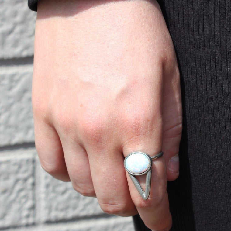 SIlver point moonstone ring