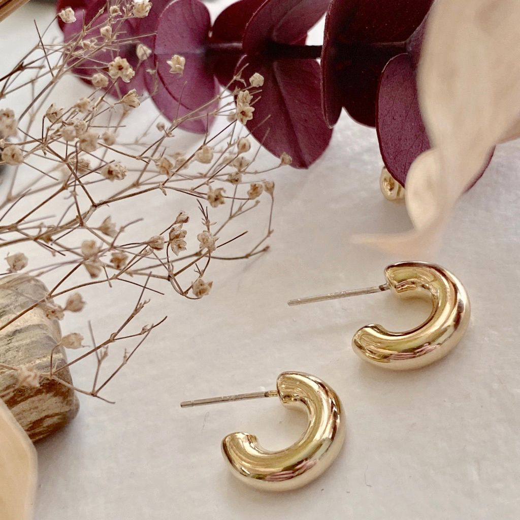 Chunky mini gold hoops